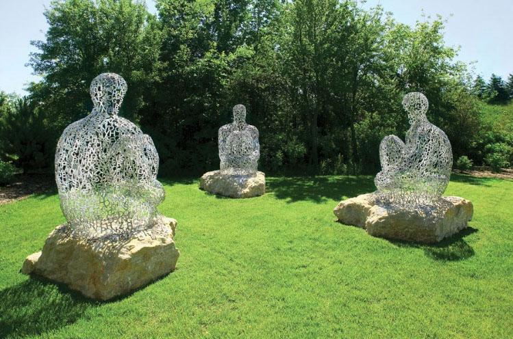 Les oeuvres d 39 art habillent vos ext rieurs de fil en d co - Sculpture de jardin contemporaine ...