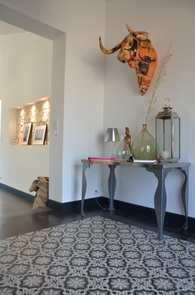 un chai moderne et authentique de fil en d co. Black Bedroom Furniture Sets. Home Design Ideas