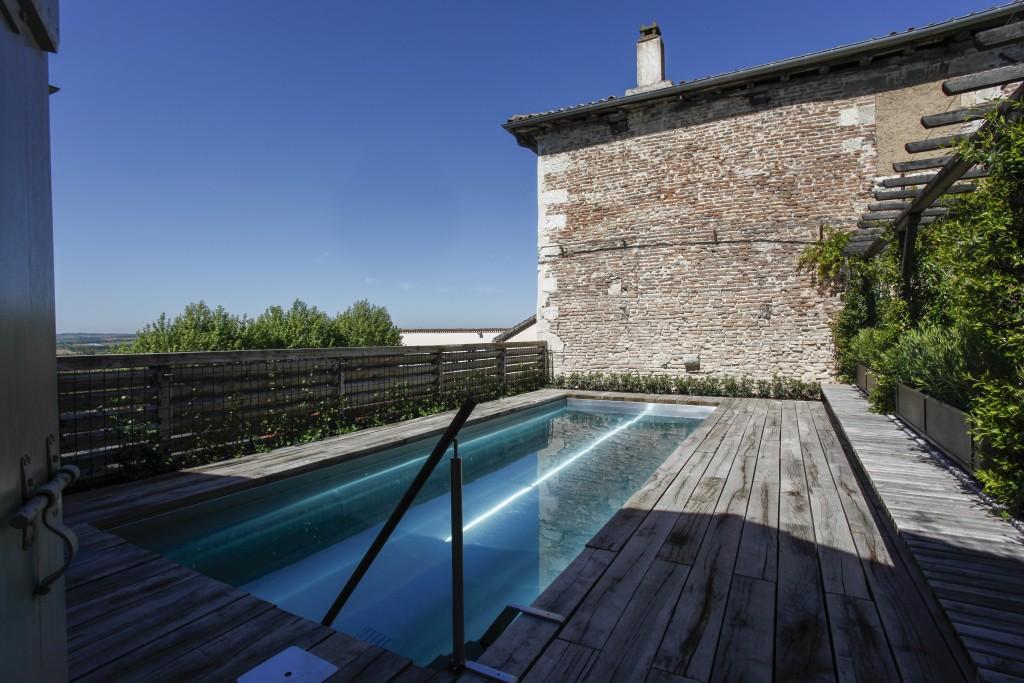 la piscine suspendue concept innovant r alis dans le. Black Bedroom Furniture Sets. Home Design Ideas