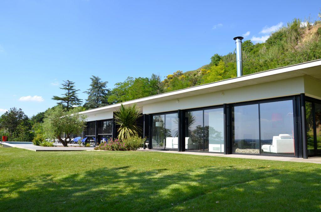 Terrasse avec vue de fil en d co for Salon ouvert sur terrasse