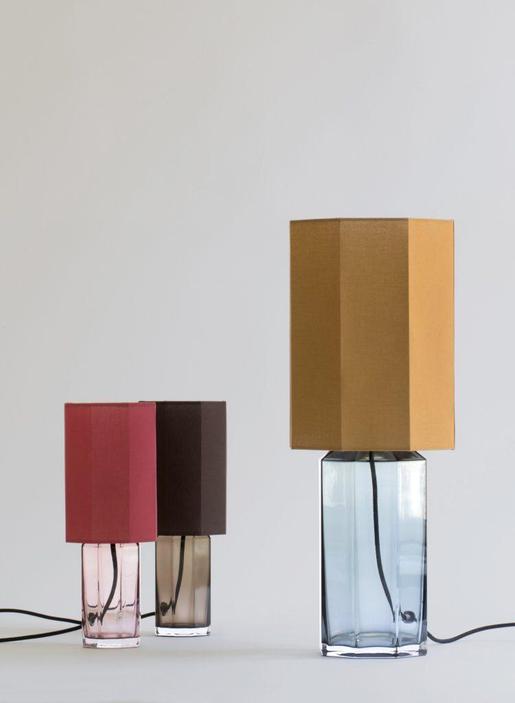 Lampe de table géométriques pour salon design ©Louise Roe