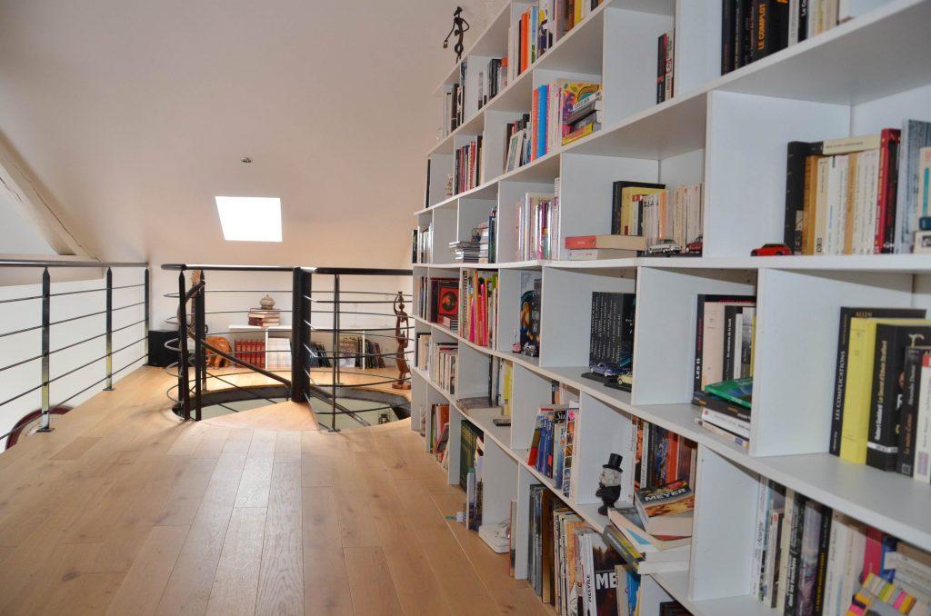 Grande bibliothèque blanche
