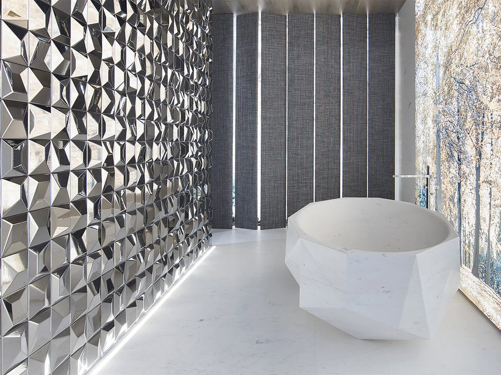 Salle de bain forme spéciale