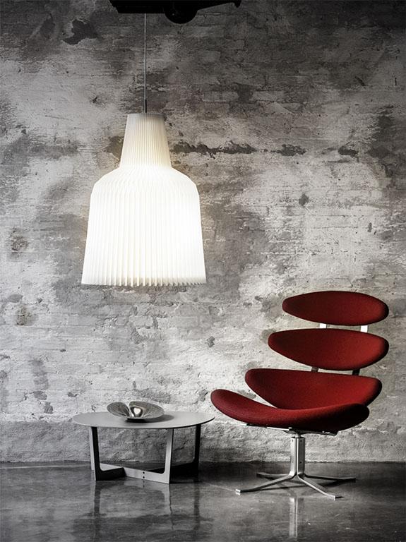 Suspension en PVC blanc plissé © Le Klint – La Cloche